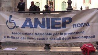 Insulti di Casalino a down, associazioni disabili: