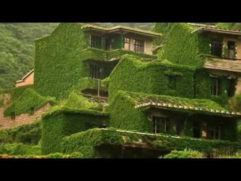 Il villaggio cinese abbandonato che Madre Natura si è ripreso