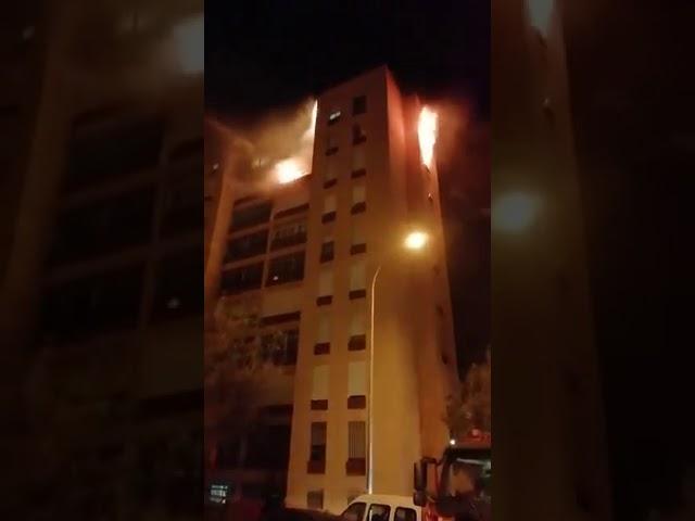 Diecinueve personas heridas leves en el incendio de una vivienda en Tenerife