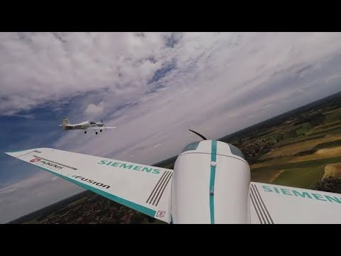 Electric aircraft to the power of 2 - eFusion Formation Flight