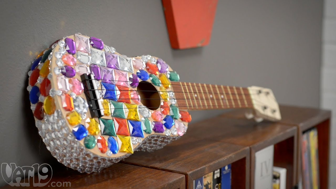Diy ukulele kit youtube diy ukulele kit solutioingenieria Image collections