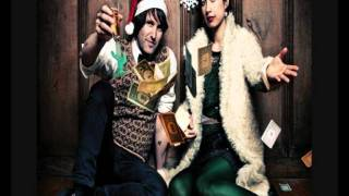 Emmy The Great & Tim Wheeler - Zombie Christmas YouTube Videos