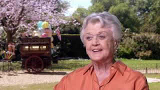 Mary Poppins Returns • Angela Landsbury • Balloon Lady