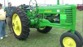 23. Classic John Deere tractor, Tractor Pull - Turkey Festival 2011, Tremont, Illinois