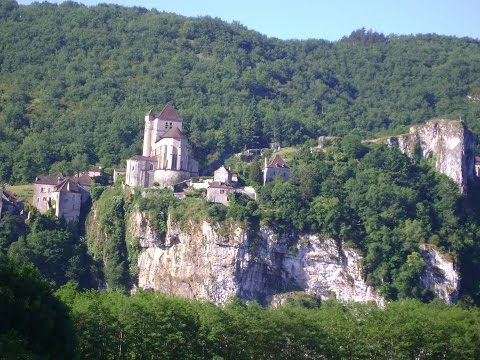 SAINT-CIRQUE-LAPOPIE, ONE OF THE MOST BEAUTIFUL VILLAGES OF FRANCE