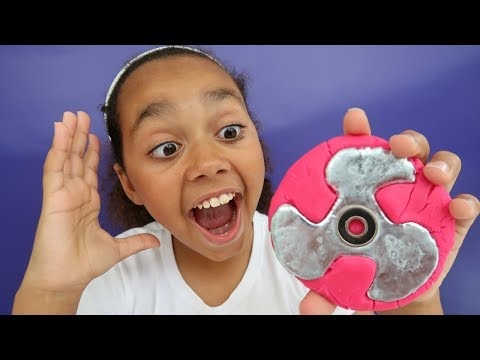Thumbnail: DIY Gallium Fidget Spinner! (Play Doh Molds) Kids Toy Review | Toys AndMe