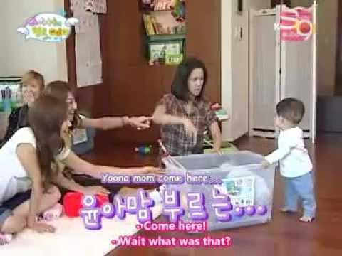 [SNSD Funny] - Mommy Yoona, help me!!!