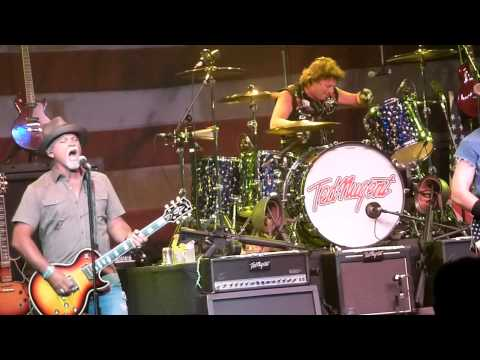 Ted Nugent - Turn it up @ The Grove Of Anaheim CA. 6-30-2011