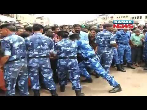 Huge Crowd In Puri Ratha Yatra, 10 Injured In Stampede