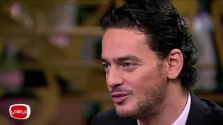 معكم مني الشاذلي | شاهد الفنان خالد ابو النجا و طريقته الجديدة لاخذ السيلفي