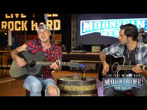 "Morgan Wallen Sings ""The Way I Talk"" Unplugged 