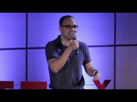 Sacando tierra seca de lo mojao' | Chris Corcino | TEDxSantoDomingo