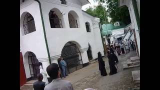 Колокольный звон в Псково-Печерском монастыре.