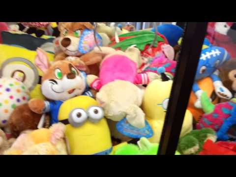 toys r us claw machine