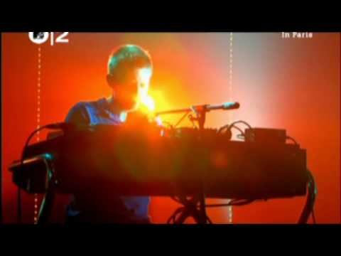 Radiohead - Motion Picture Soundtrack | Live at Canal Plus 2