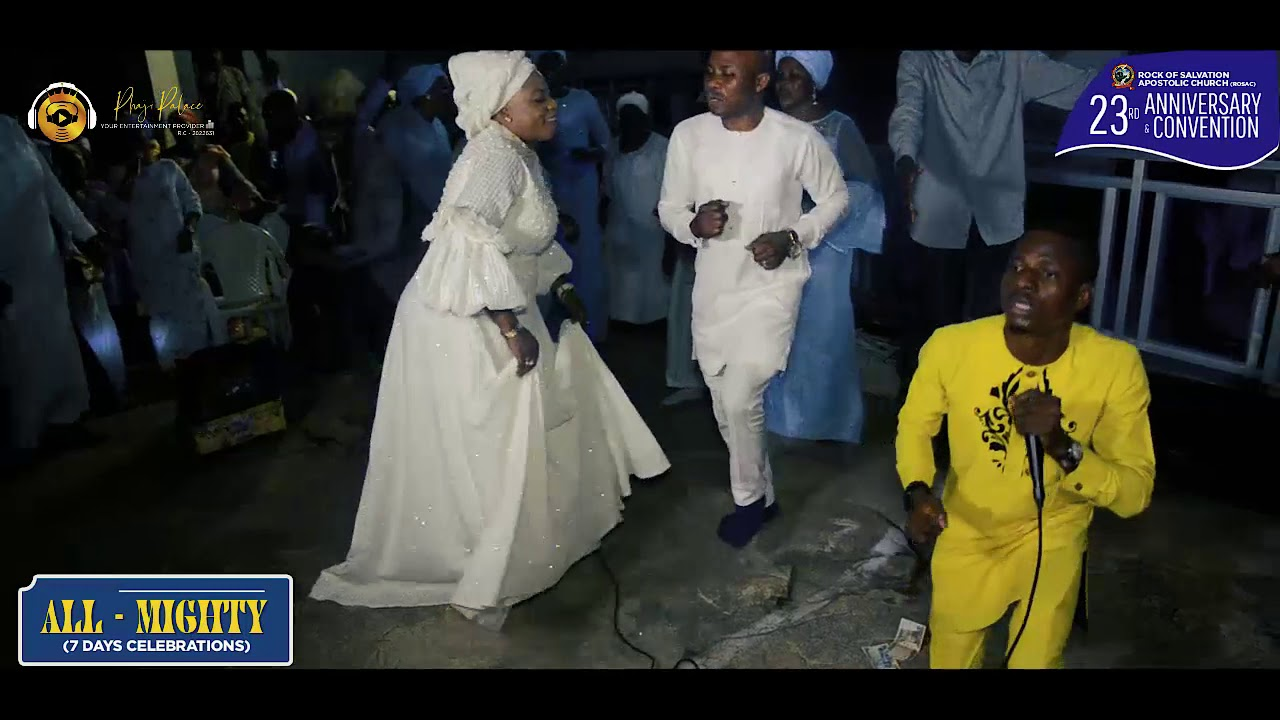 Download TEEPRAISE MINISTERING @ HAVILAH MOUNTAIN OF FIRE  (DADDY AND MUMMY OLUBORI)