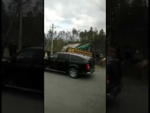 Видео ГИБДД-ДПС.РФ: ДТП на трассе Нягань-Талинка. ХМАО-Югра. 1