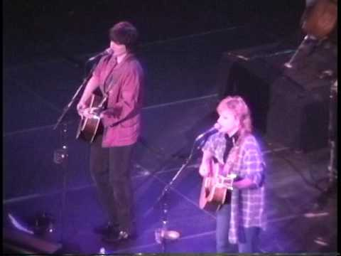 Indigo Girls - (The Spectrum) Philadelphia,Pa 12.3.94 (Complete Show)