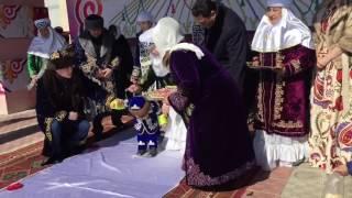 Аким Павлодарской области Булат Бакауов Аким Паводарской области провел обряд