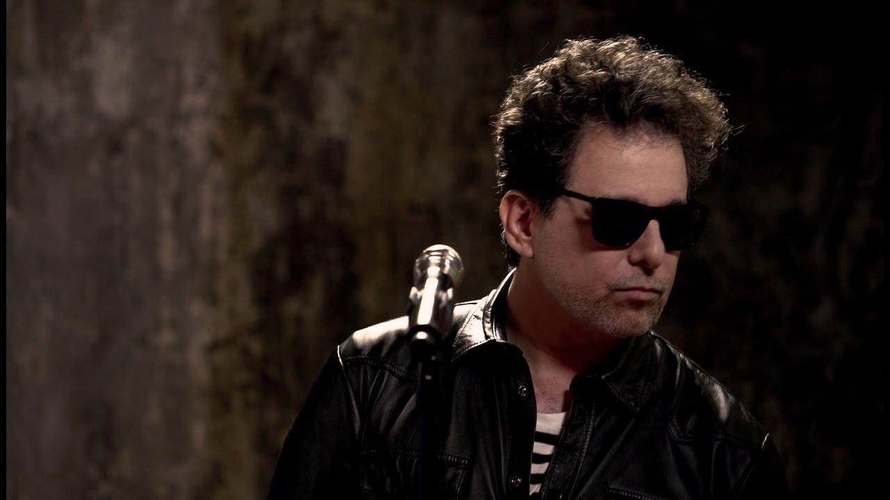 Andrés Calamaro - La Noche  (videoclip oficial)
