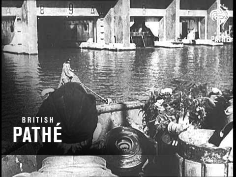 U-Boat Pack Returns To Port (1943)
