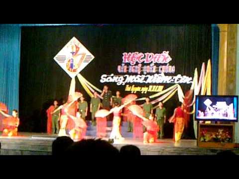 tiết mục đạt giải nhất hội diễn văn nghệ trường quân sự quân khu 1.mp4