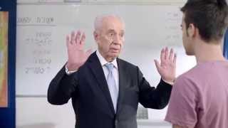 """שמעון פרס מספר מה עשינו בעשר אצבעות - מתוך קמפיין """"לתת חמש"""" של משרד החינוך"""
