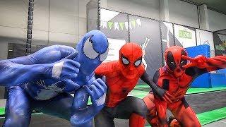 Spiderman vs Venom vs Deadpool   Trampoline Battle