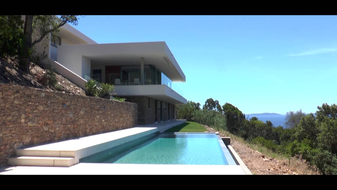 villa contemporaine le lavandou raphael henry biabaud architecte toulon youtube. Black Bedroom Furniture Sets. Home Design Ideas