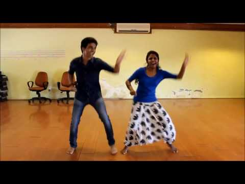 My sister is dancing for saree ke fall sa song| awesome expressions|