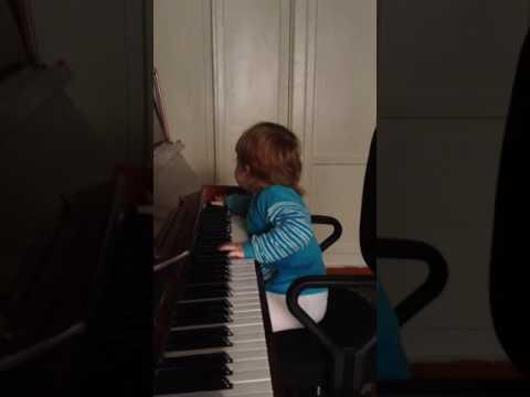 Марьяна пианистка