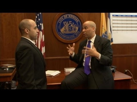 Cory Booker considers run for US Senate in 2014; won't challenge Christie forgovernor