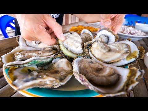 The Oyster King of Thailand - UNCLE TOMS HUGE OYSTERS and Seafood at Floating Restaurant!