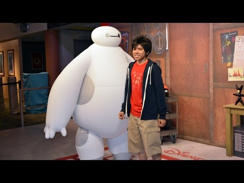 Baymax and Hiro Big Hero 6 Meet & Greet at Disney's Hollywood Studios with Detailed Look at Props
