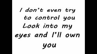 Download Maroon 5 ft. Christina Aguilera - Moves Like Jagger [Lyrics On Screen]