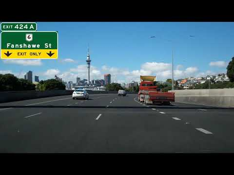Southbound New Zealand State Highway 1, Auckland Harbour Bridge & Central Motorway Junction