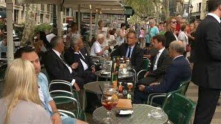 Marcelo e Costa num café em Barcelona