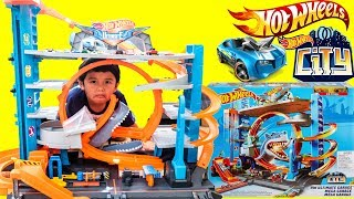 New 2018 HW ULTIMATE GARAGE Biggest Hot Wheels CIty Garage with Shark Attack Toys Review