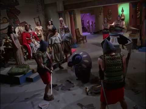 Batman Does The Batusi to Defeat King Tut (HD 1080p)