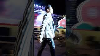 Châu Khải Phong hát ở hội chợ Thái Bình
