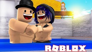 A CLOWN ATTACKS CALLUM AND CHELSEA IN A SWIMMING POOL! FACECAM! Roblox Clown Escape!