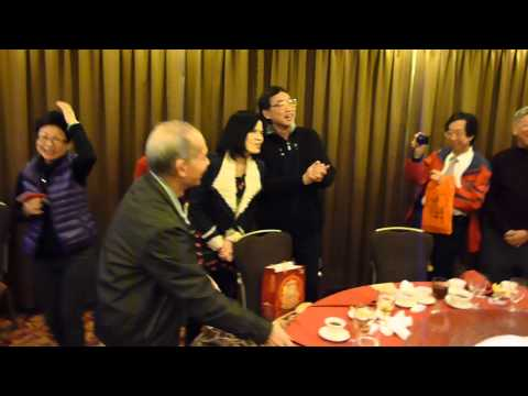 P1010645潘啟昌老師合唱KCCES校歌