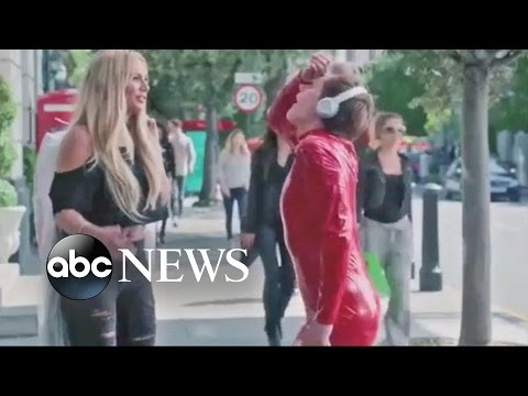 Britney Spears, Kevin Bacon Apple Music Ad