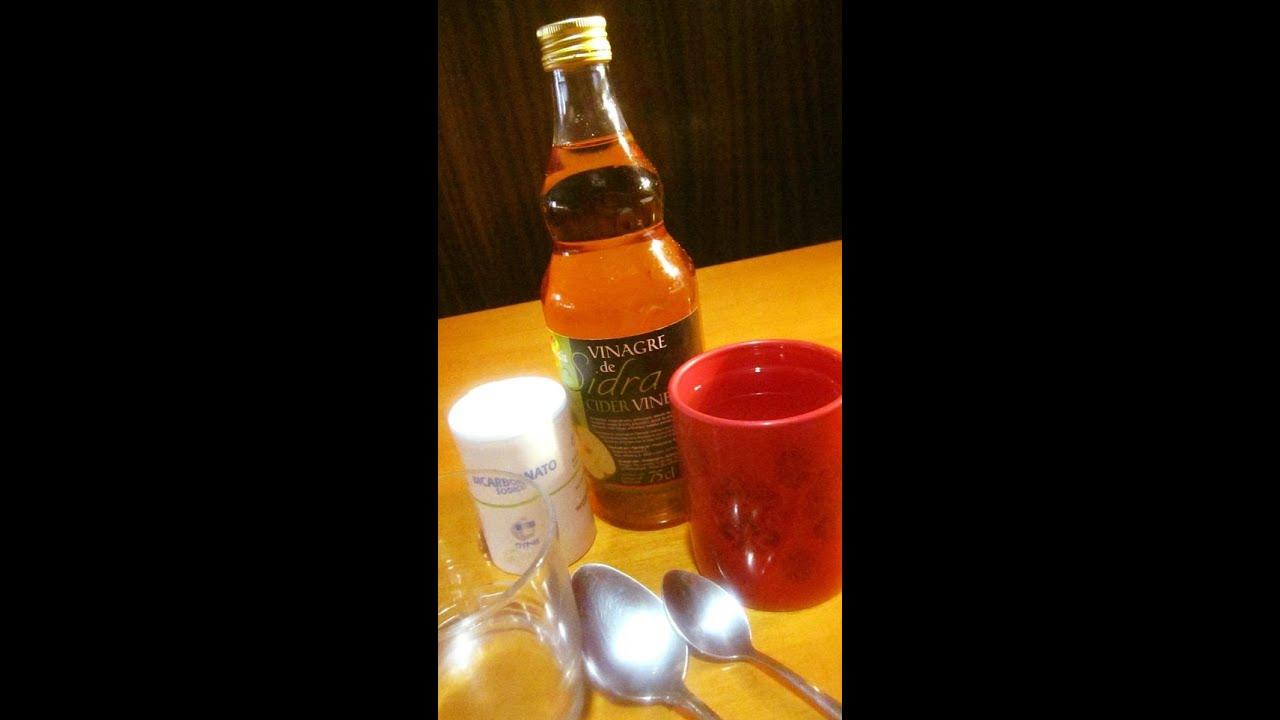 bicarbonato con vinagre y agua