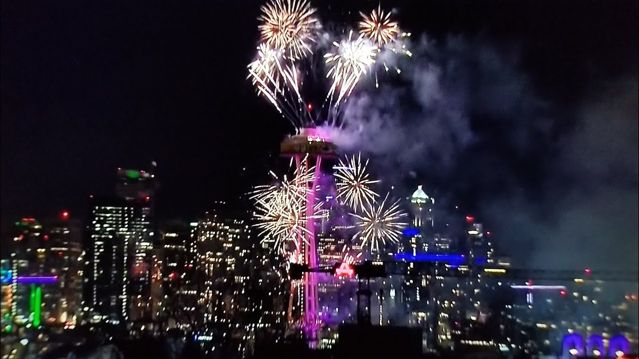 Seattle space needle fireworks 2018 - YouTube