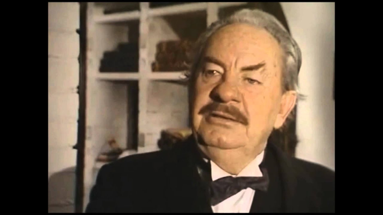 leo mckern lloyds bank