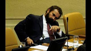 El marxista Hugo Gutiérrez acusa a la Armada de genocida y terrorista