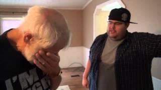 Zu Tränen gerührt: Sohn schenkt Vater Haus