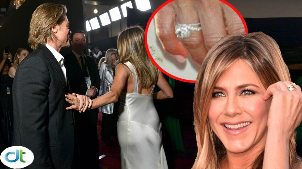 Shock Jennifer Aniston Wears Brad Pitt S Wedding Ring Again After Confirming Reunion From Sag Youtube Jennifer Aniston Brad Pitt Brad Pitt Jennifer Aniston