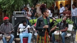 Xana Romeo - Rate Rasta (Acoustic)